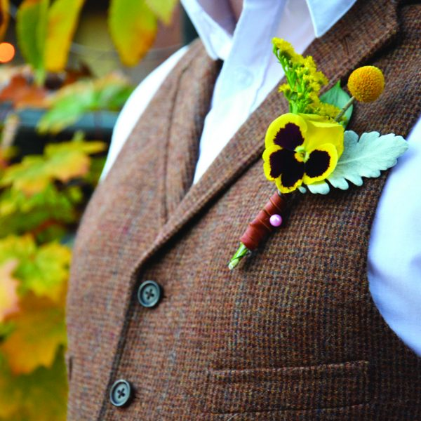 Add Pansies to Boutonniere Designs