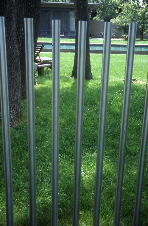Creative Fencing by Bobbie Schwartz - National Garden Bureau
