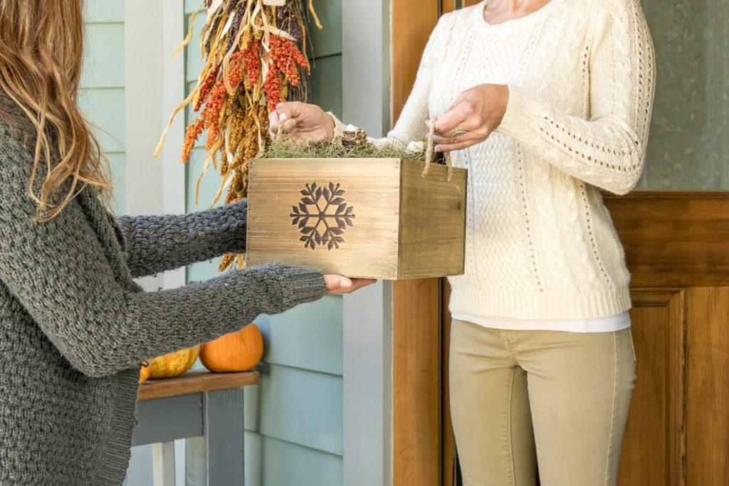 Holiday Gift Giving with Amaryllis Bulbs - National Garden Bureau