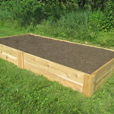 Cedar Raised Gardening Bed - Johnny's Selected Seeds - National Garden Bureau