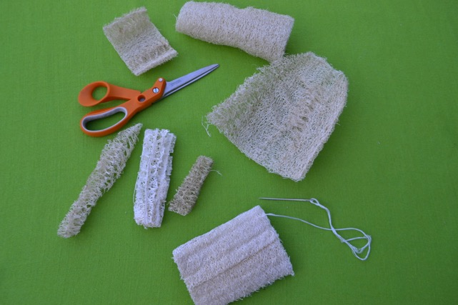 Using Luffa Slices to make stamps, pet chew toys, bird feeders, and scrubbing soap bars /National Garden Bureau
